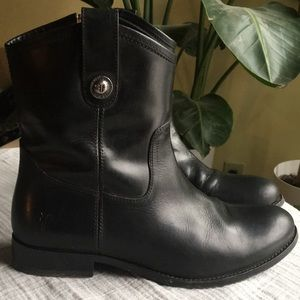 FRYE Melissa button short leather boot